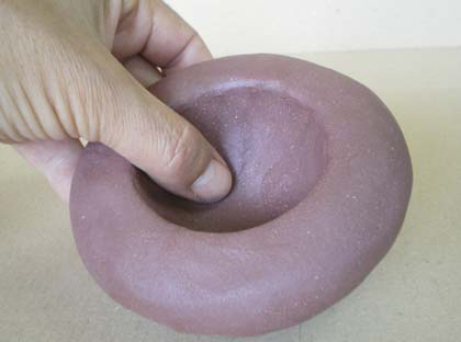 Ceramic Dictionary - by Susan Mussi: PINCHING - Making a
